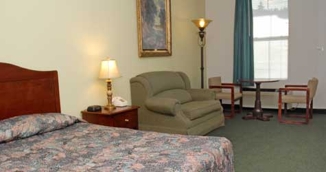 Queen Guest Rooms at the Northern Inn